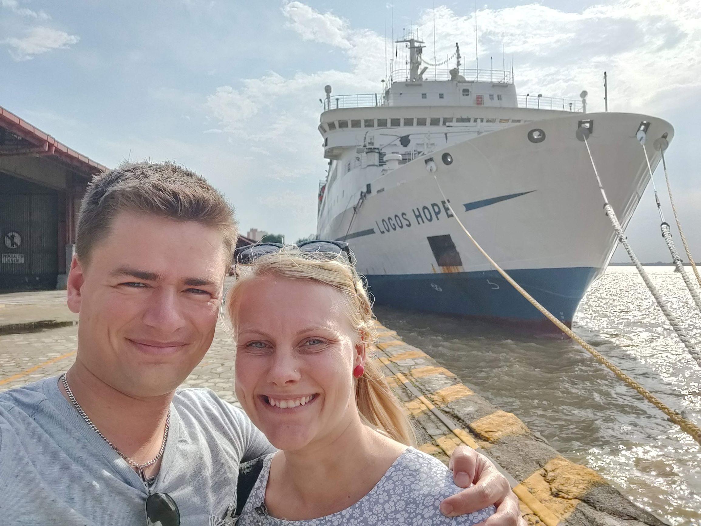 Madeleine og Mathias er snart på vej med Logos Hope